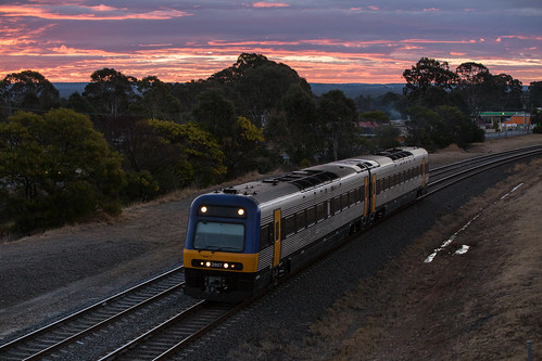 nsw trainlink main south line southern highlands passenger train endeavour railcar 2807 2857 sn51 bargo newsouthwales australia au