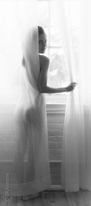 Katie, Curtain