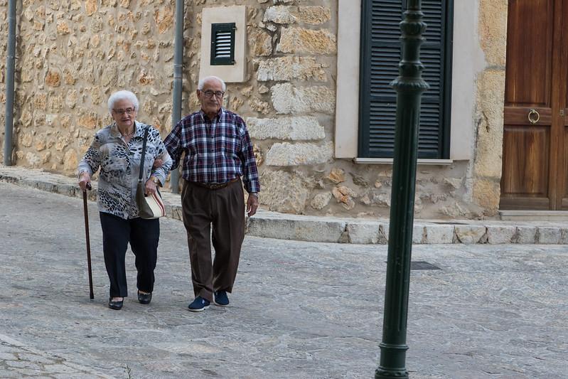 Old couple in Mancor de la Vall