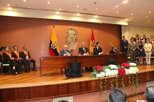 PRESIDENTE DE LA REPÚBLICA Y GOBERNADORES DEL AZUAY PARTICIPARON EN LA SESIÓN SOLEMNE POR LOS 197 AÑOS DE INDEPENDENCIA DE CUENCA