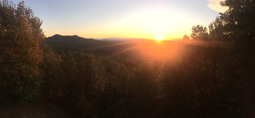 mobilephotography iphone6s blueridge mineralbluff appalachians highviewlodge cabin mountains sunrise ladycardinalphotography jenniffertaylor