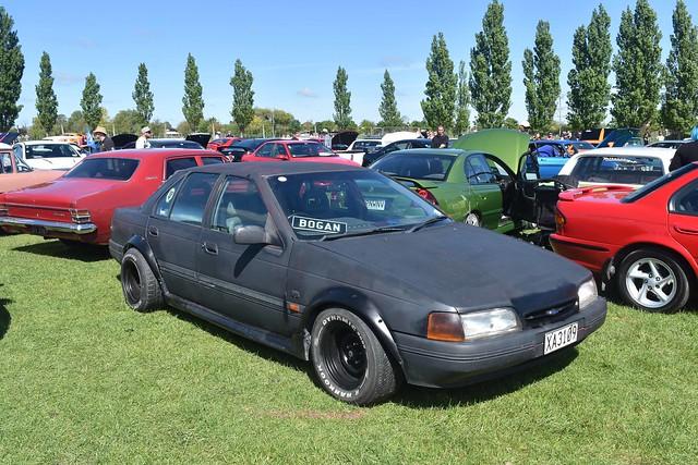 1994 Ford Falcon Futura
