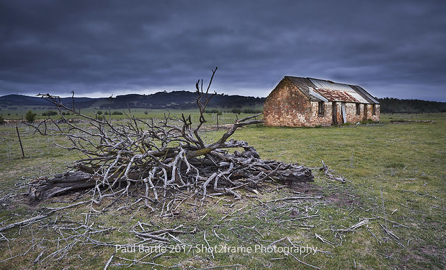 Tirrannaville Farm Hut - Southern Highlands - NSW