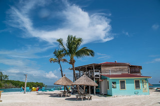Bar at the beach 'The Split' on the Caribbean island Caye Caulker in  Belize. | by www.ralfsteinberger.com