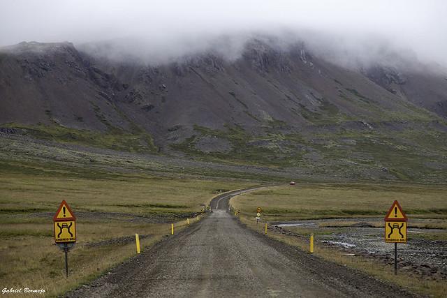 Entre nubes y montañas - Islandia