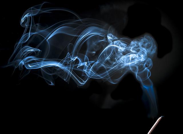 humo de incienso - incense smoke