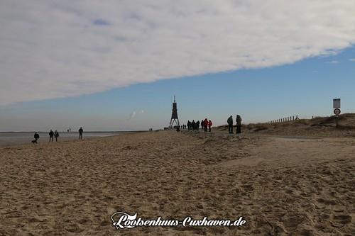 Viel los an der Kugelbake im Winter in Cuxhaven | by Stilkollektiv