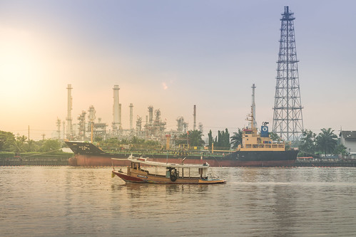 oil refinery thai thailand amateur asia asian alpha a6500 18105 f9 river exposure day morning scene sunset light outdoor photo photography photographer pics samutprakan landscape landscapes lights life hour colour color cloud colorful view chao phraya bangkok sony ilce e mount mirrorless csc α 6500 apsc ⍺6500 ilce6500
