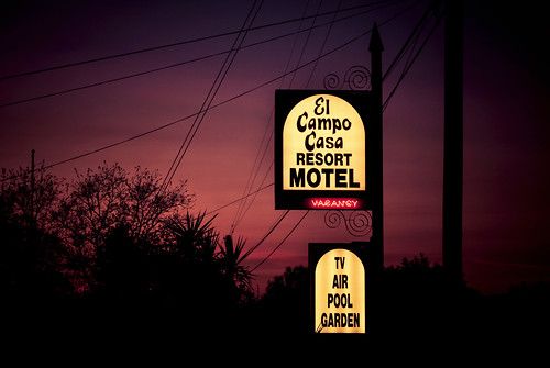 elcampocasa resort motel sign plasticsign neon sunset martell jackson 101517 nikon interesting