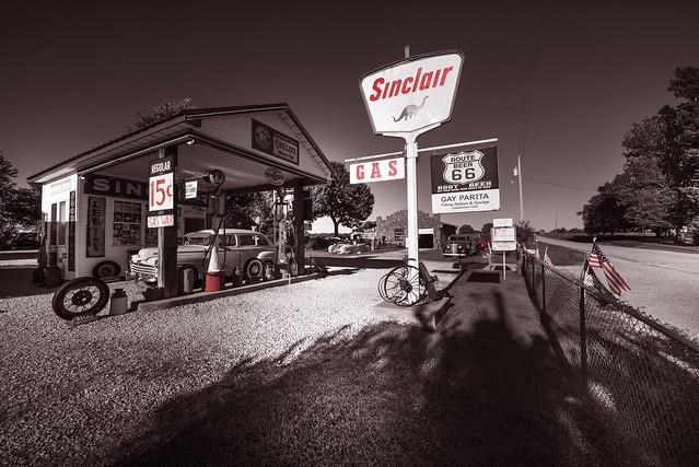 Gay Parita Sinclair Station on Route 66 - Missouri - USA