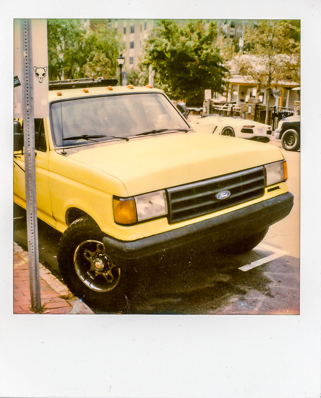 Polaroid SX-70 w/ Polaroid Originals Color Film