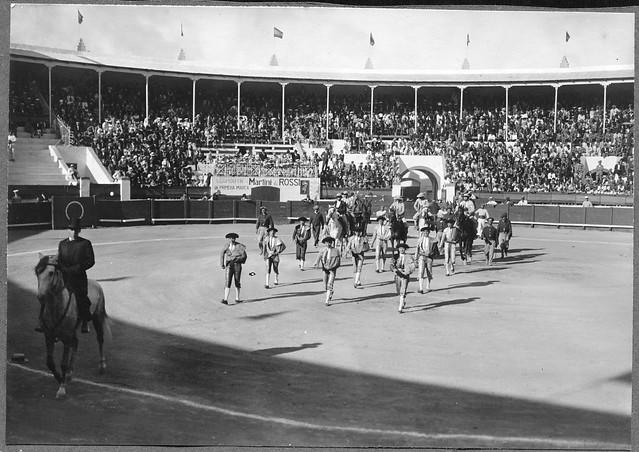 Archiv See058 Einzug, Stierkampfarena, Santa Cruz, Teneriffa, 1925