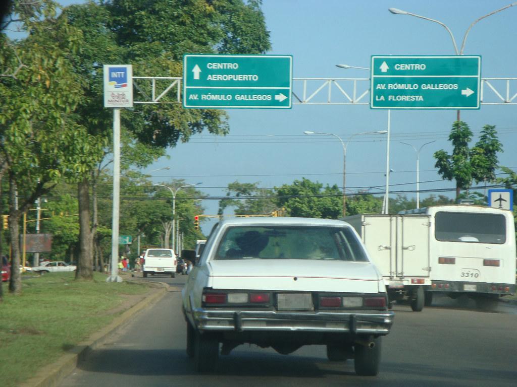 Avenida Raúl Leoni | Semáforo de Juanico, Maturín | Wilmer