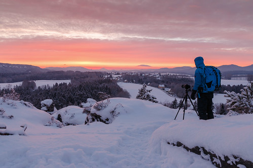 self selfy photographer nature bluehour winter human landscape sky goldenhour sunrise snow forest mountains earlybird earlymorning