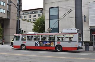 MUNI 5443 at Townsend and Lusk - San Francisco - September 13, 2017
