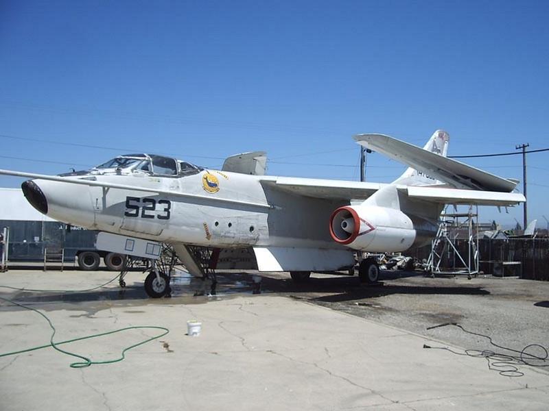 Douglas EKA-3B Ballena 1
