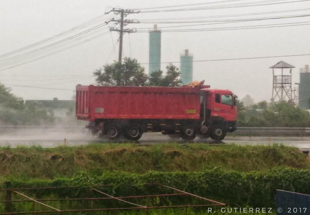 Speed Express Logistics, Inc  (SPEX)   UD Trucks Quester CGE…   Flickr