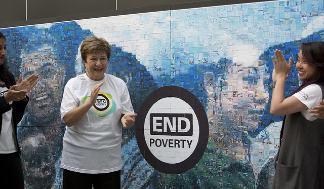 Mar, 10/17/2017 - 11:49 - October 19, 2017 - WASHINGTON DC. On End Poverty Day 2017, World Bank CEO Kristalina Georgieva joins staff to place the final piece on the #EndPovertyMosaic in the atrium of the World Bank Headquarters in Washington, DC. Photo:  World Bank / Simone D. McCourtie   Photo ID: 101717-HashtagMosaic-0016f
