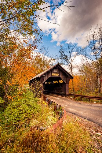 emilysbridge coveredbridge bridge landscape nature autumn fall foliage october harvest colorful naturephotography historic history road stowe waterburycenter vermont vt unitedstatesofamerica usa america nikon d610 nikkor 2018g fav10 fav25 fav50