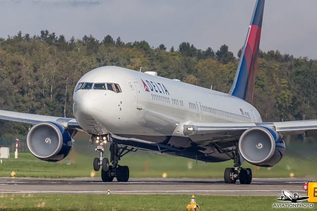 N178DZ | Delta Air Lines | Boeing 767-332(ER)