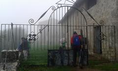 Verja entrada a la ermita y refugio