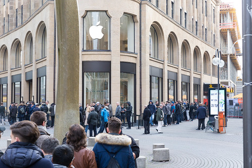 People lining up in front of the Apple Store - iPhone X release | by marcoverch