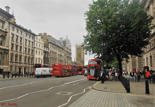 Bus LT444 London | by WT_fan06