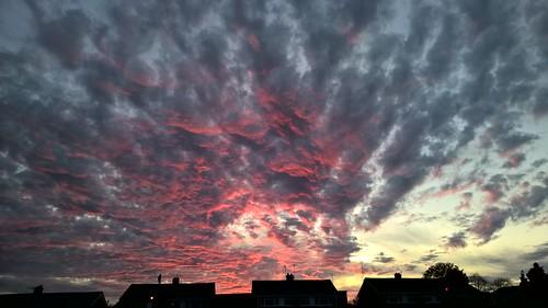 burwelldrive witney sunset westoxfordshire oxfordshire unitedkingdom nokia nokialumia930 mobilephone mobilephotography cellphone