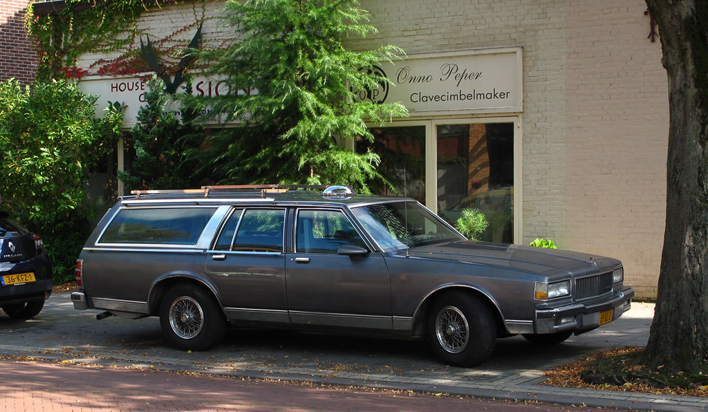 1990 Chevrolet Caprice Classic Wagon 5 0 V8 | Place: Oss