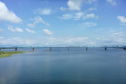 阿賀野川を渡る車窓から見た日本海側