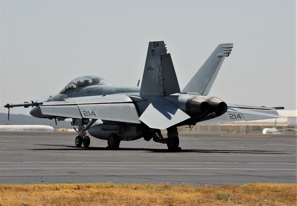 F/A-18F Super Hornet 166886/XE-214 VX-9 U.S.Navy. On the ramp at Tucson IAP, Arizona. 4th of June 2016.