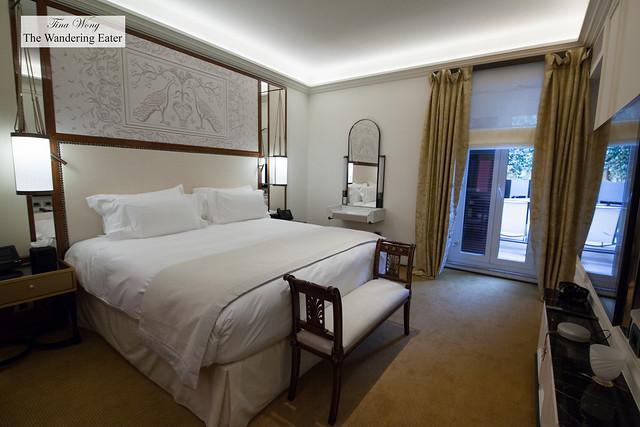 Bedroom of Aurora Terrace Suite