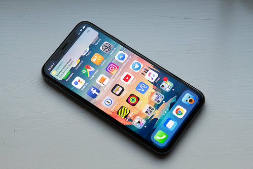 iPhone X - Notification | by William Hook