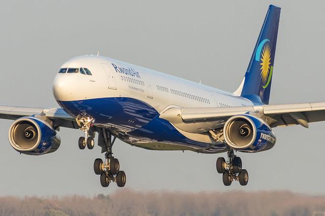 RwandAir / A332 / 9XR-WN / EBBR 25L