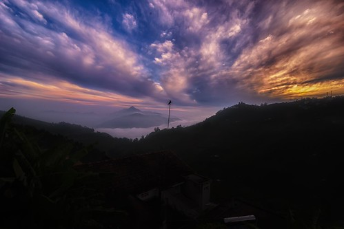 kodaikanal tamilnadu india sunrise clouds sky d90 iamnikon nikon hdr yesmkphotography muthukumar enchantingtamilnadu discoverindia morning