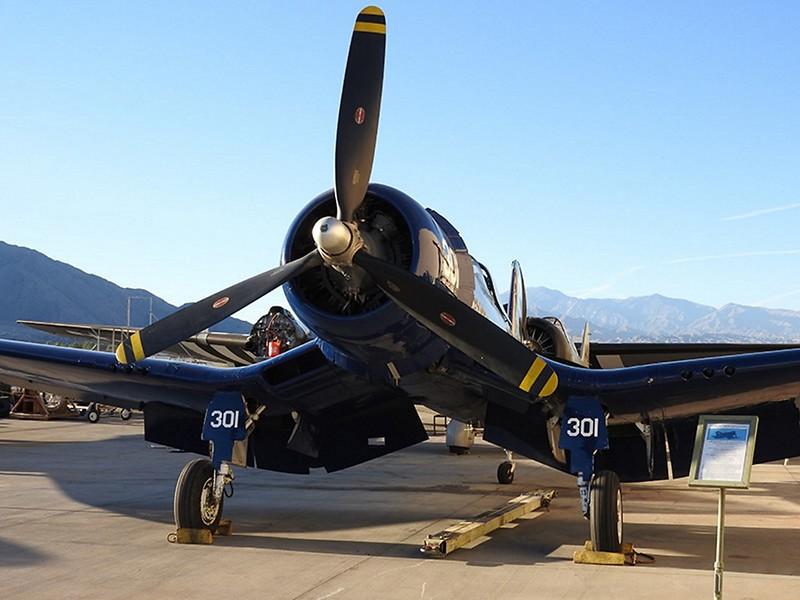 FG-1. Corsair 2
