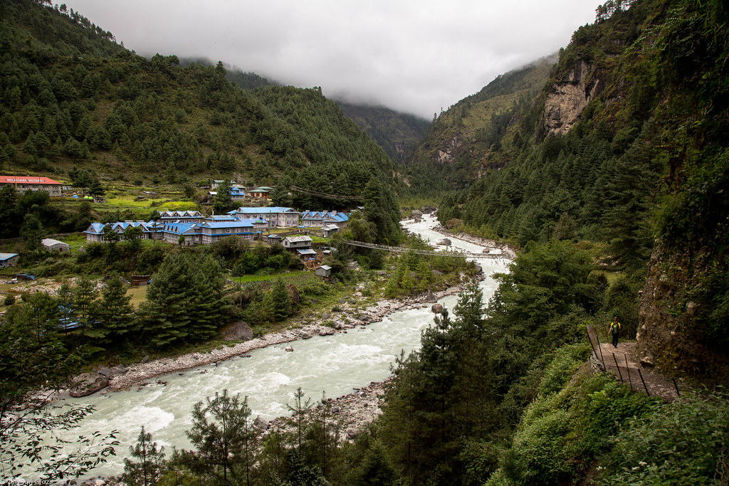 trail to Namche 08