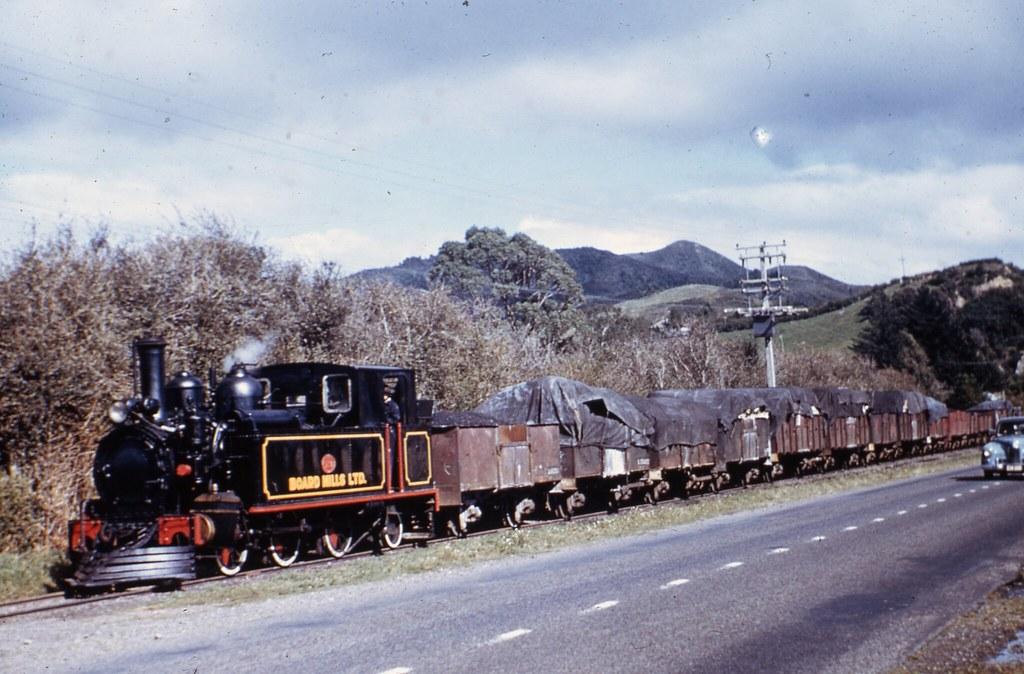 Whakatane Board Mills Railway (Bay of Plenty, New Zealand) - ex-NZR Class FA 0-6-0ST steam locomotive and goods train