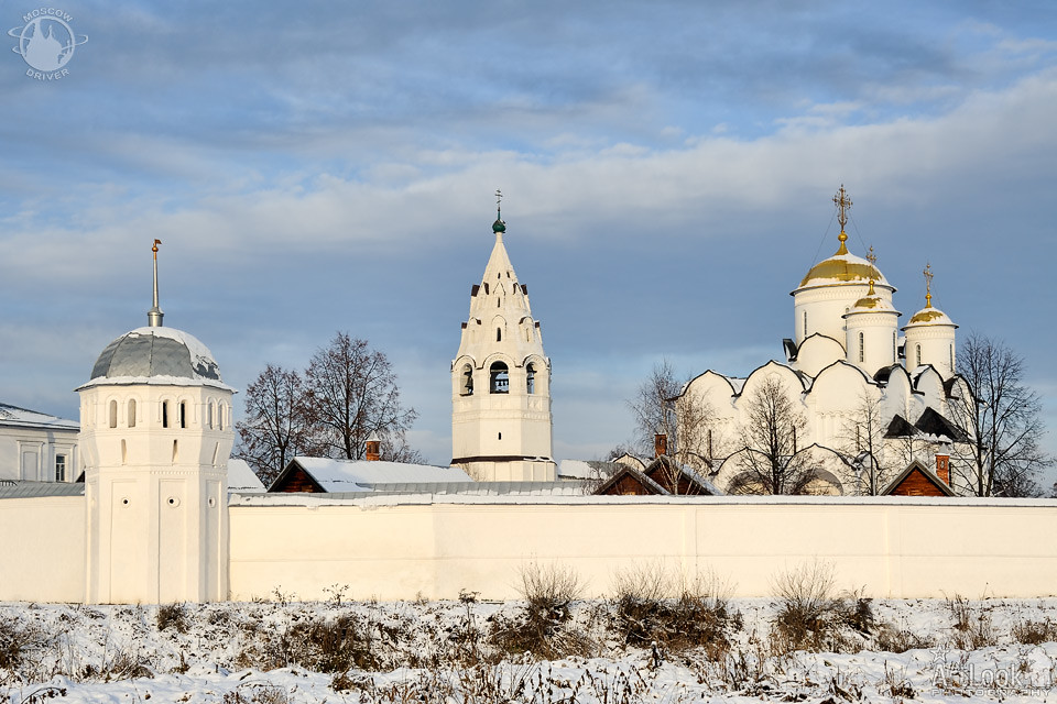 Behind The Walls Of Intercession Convent In Winter Season Flickr
