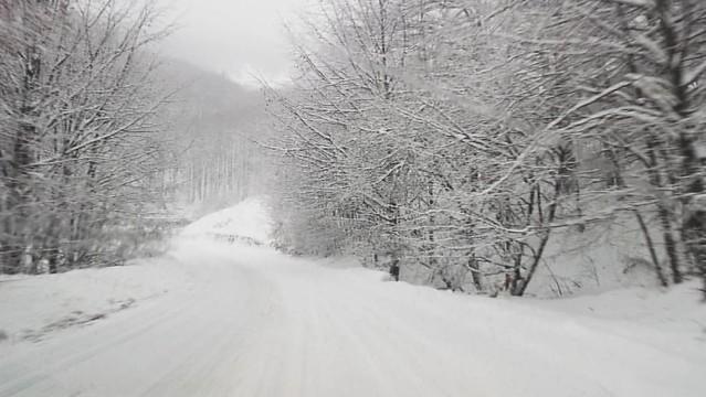 Winter comes earlier in the mountains #valeacernei #carpati #meridionali #winters #romania #romanianwinter
