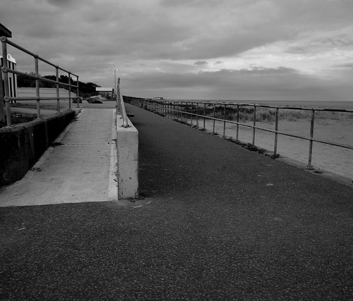 chapelstleonards lincolnshire perspective pointofview blackandwhite blackwhite monochrome monotone greyscale grayscale bw bnw lowpov september september2017 summer summer2017 simonhx100v sonydschx100v sonyhx100v hx100v landscape landscapephotography coast outdoor outdoors outside