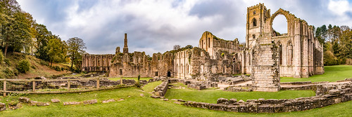 fountainsabbey ripon panorama ruins architecture ancient abbey monastery cictercian gradeilisted building nationaltrust landscape unesco world heritage site valley river