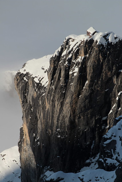 Guggihütte des Schweizer Alpen Club SAC  ( BE - 2791m - Eröffnung 1910 - Hütte hutte cabane capanna hut ) in den Berner Alpen - Alps ob der Kleinen Scheidegg im Berner Oberland im Kanton Bern der Schweiz