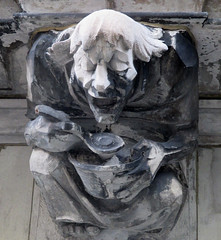 Food Gargoyles - Laughing Jester Sidewalk Level 1696