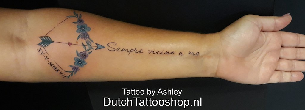 Arm Onderarm Tattoo Pijlenboog Bowandarrow Tekst Latijn La
