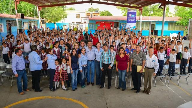 ESCUELA DIGNA EN  LA COLONIA HIPÓDROMO (1)
