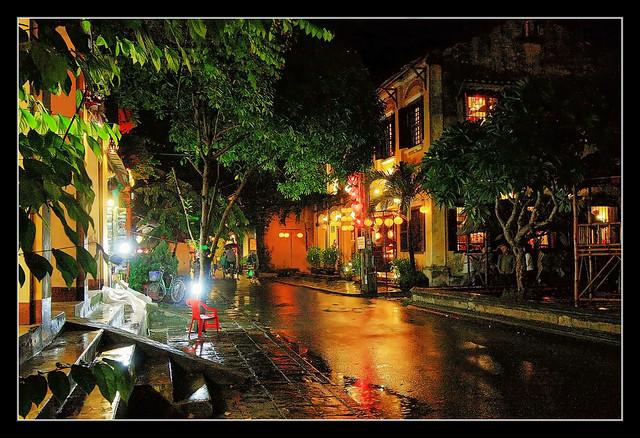 Hội An VN - old town street 02