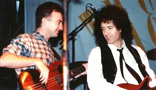 John Deacon & Brian May w The Cross (Roger Taylor) live @ London - 1988