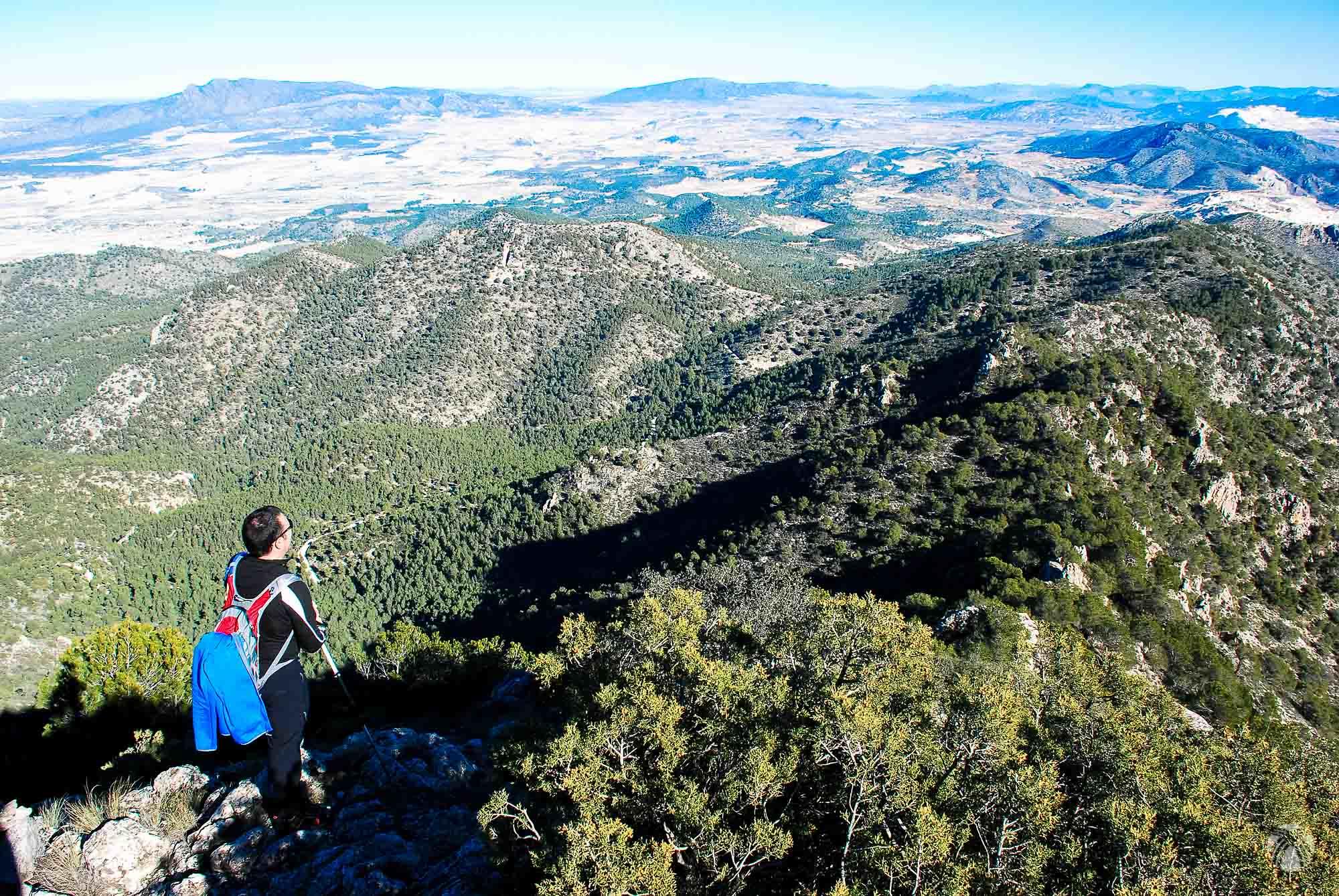 Vistas hacia el noreste. Toda la provincia de Alicante