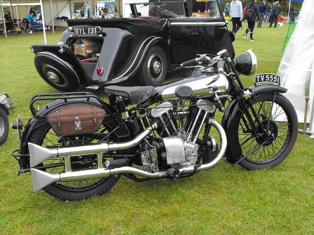 Brough Superior SS100 - TV 5551 (1)